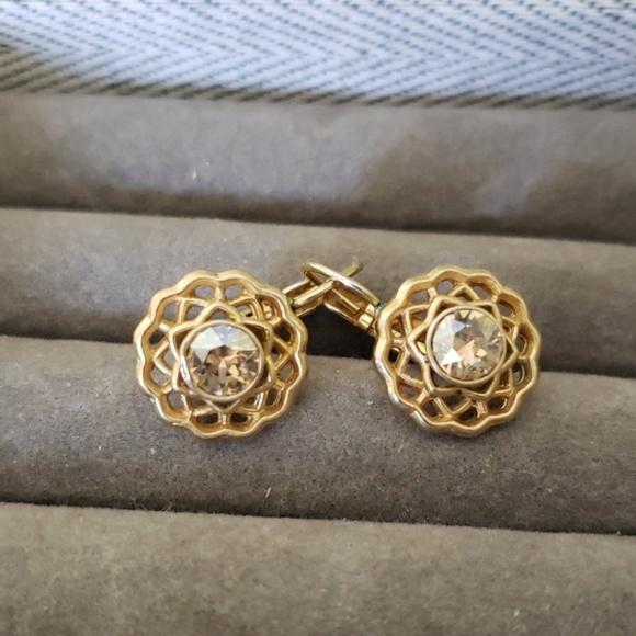 Chloe + Isabel Jewelry - Chloe +Isabel Gold Leverback Earrings